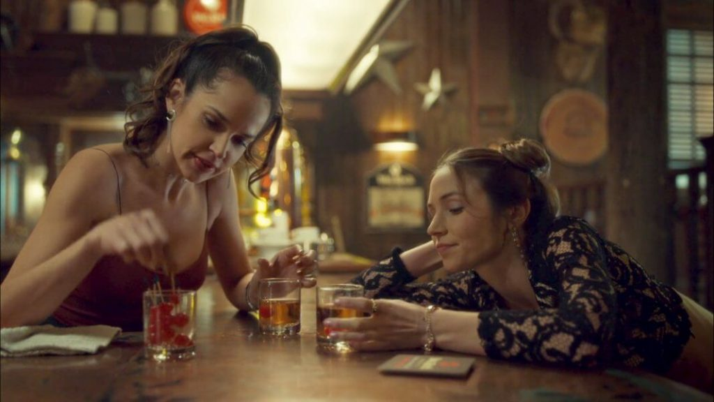 Rosita and Waverly having a drink.